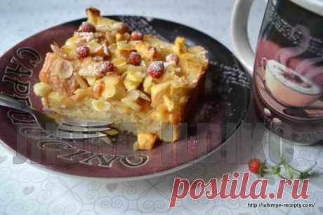 Шарлотка с яблоками и хлебом - Рецепт с фото