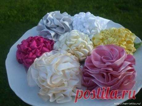 Dahlias from satin ribbons
