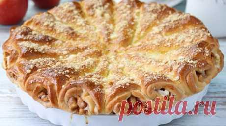 Слоеный яблочный пирог «Яблочные рожки»: оригинальный и вкусный Красивый, румяный, аппетитный слоеный яблочный пирог «Яблочные рожки»! Угостить таким пирогом подруг – одно удовольствие! Приготовьтесь выслушивать слова восхищения вашему умению!!!