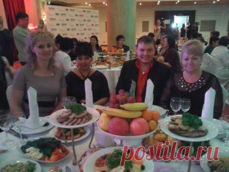 Гала ужин в ресторане с участниками конвенции