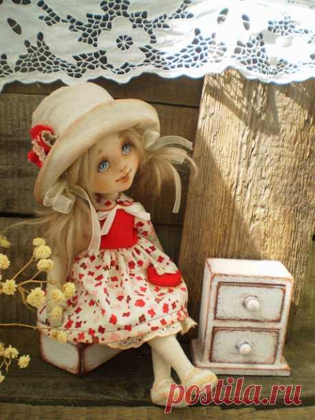Выкройки очаровательных куколок
