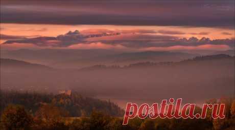Вид на горы и Чорштынское водохранилище. Нежная панорама из Польши от Влада Соколовского. Доброй ночи!