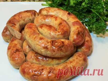 Колбаска домашняя куриная быстрого приготовления Ингредиенты на 4 небольшие колбаски: — 1 кг куриного бедра (без костей) — 7-8 зубчиков чеснока — 0,5 ч. ложки молотого черного перца — 0,5 ч. ложки приправы для курицы (соль, паприка, сахар, семена горчицы, куркума) — 2 ст. ложки майонеза — 15 гр желатина Приготовление: 1. Куриное мясо помыть, обсушить, порезать вместе с кожицей […]