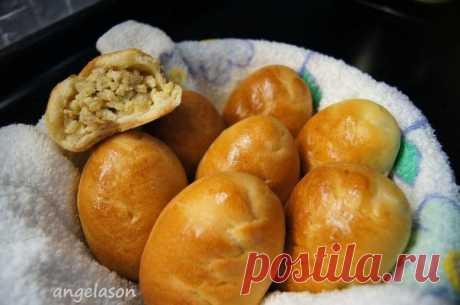 Пирожки печеные с мясом, рисом и яйцом. Обалденно нежное, тающее во рту тесто с мягкой начинкой!