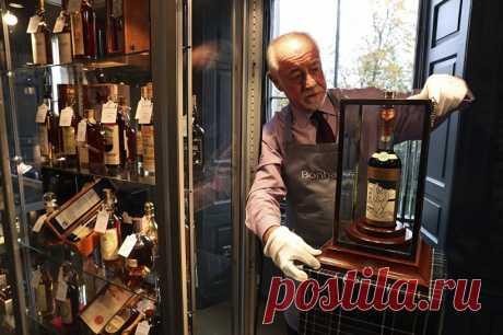 Бутылка виски Macallan 60-летней выдержки продана на торгах в Эдинбурге за $1,1 млн | В мире