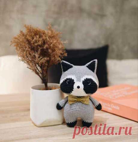 Свяжем маленького енота крючком | Be Creative | Яндекс Дзен