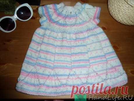 платьице для малышки по популярной схеме / Вязание