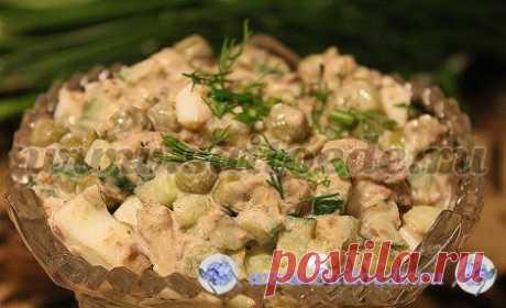 Салат с сайрой, яйцом, зеленым горошком и огурцом - Самые вкусные кулинарные рецепты на Saitoede.ru