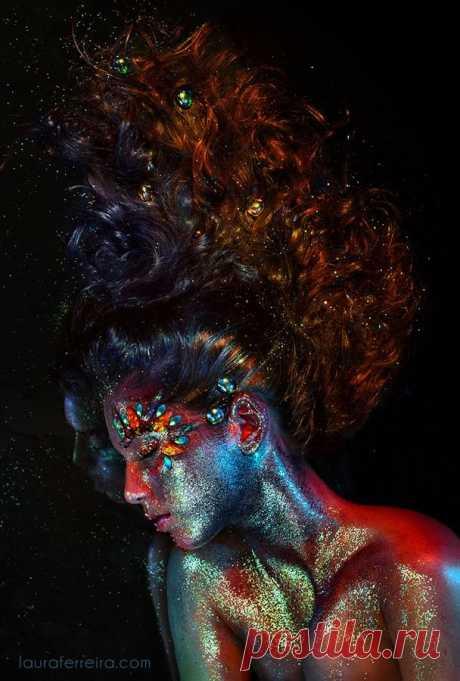 «Some body paint and glitter plus jewels and makeup... love the lighting here too Makeup Pinterest Идеи для фото, Фотосессии и Ли» — карточка пользователя Нажмуттин в Яндекс.Коллекциях