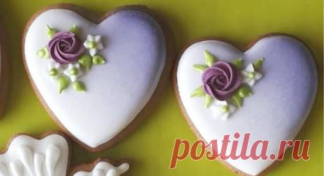 My Lovely Cookie (ПРЯНИКИ) в Instagram: «Я не додумалась сфотографировать отдельно пряники из свадебной корзины. Так что есть только пара рабочих снимков. Но зато видно бокалы с…»