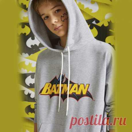 Толстовка-худи для мальчика Orby Серый меланж принт Batman  Цена - 2 799 ₽. Ткань верха — Трикотажное полотно Футер петельный; 50% хлопок, 45% ПЭ, 5% эластан. Страна-производитель — РОССИЯ.