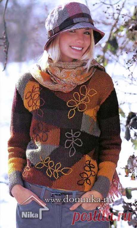 Женский вязаный свитер спицами на осень - пуловер цветной спицами
