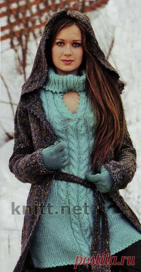 Пальто с капюшоном и мини-платье Пальто с капюшоном и мини-платье. Пальто с капюшоном прямого покроя из пряжи с разноцветными вкраплениями привлекает ажурными вставками