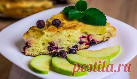 Рецепты очень вкусной пышной яблочно-ягодной шарлотки в духовке - Женская страница