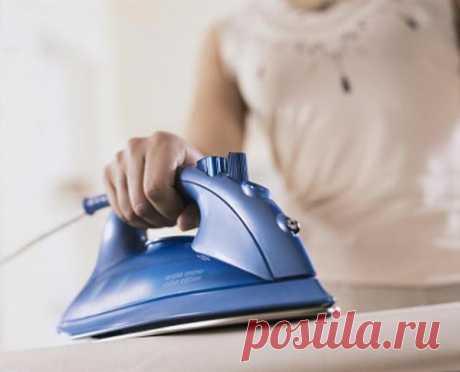 Как убрать с одежды подпалины от утюга
