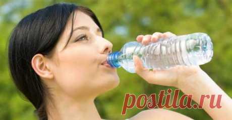 На самом деле — нет, вам не надо выпивать 8 стаканов воды в день | Люблю Себя