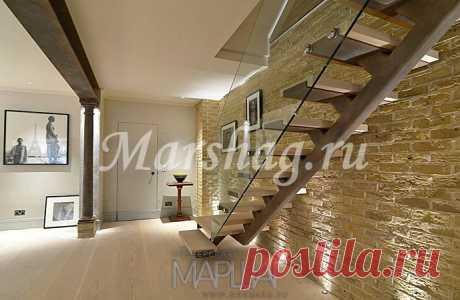 Лестницы, ограждения, перила из стекла, дерева, металла Маршаг – Деревянная лестница и ограждения стеклянные