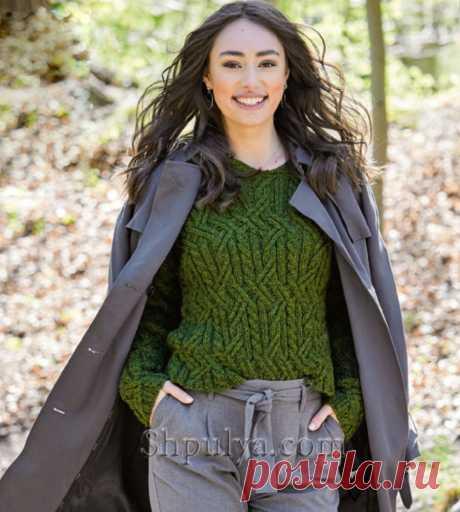 Оливково-зеленый пуловер с «косами» и капюшоном — Shpulya.com - схемы с описанием для вязания спицами и крючком