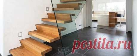 Лестницы, ограждения, перила из стекла, дерева, металла Маршаг – Лестница на стеклянной балюстраде