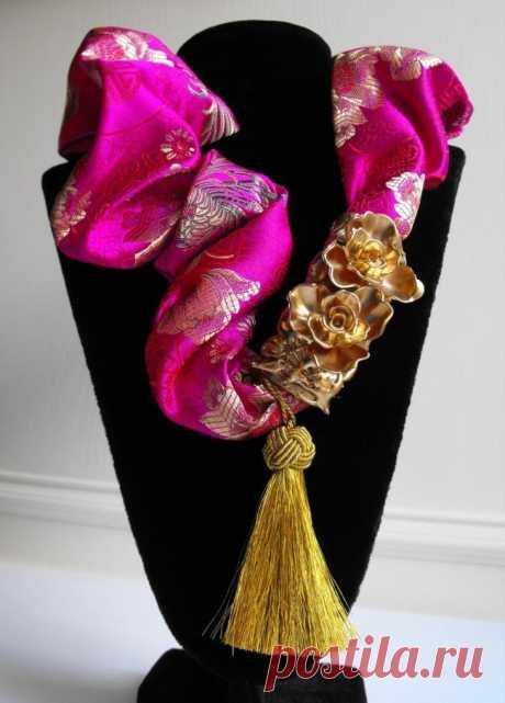 Роскошное украшения из галстука...