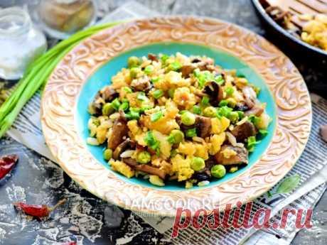 Рис, жаренный с яйцами и шампиньонами — рецепт с фото Рис с яйцами и шампиньонами — отменное второе блюдо для повседневного обеда в кругу семьи.