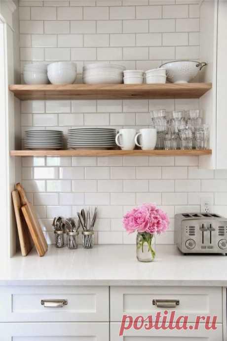 Открытые полки для кухни: 40 оригинальных примеров | Живу за городом