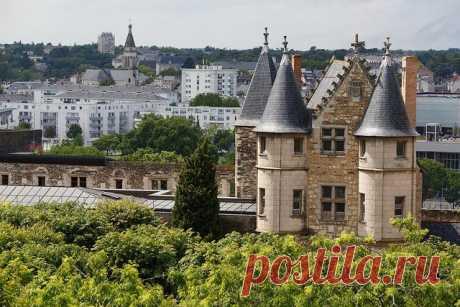 Анжерский замок, Франция