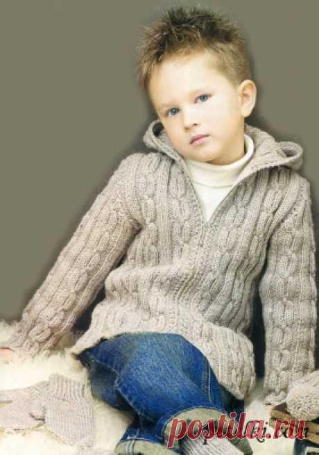 Детский жакет на молнии с капюшоном