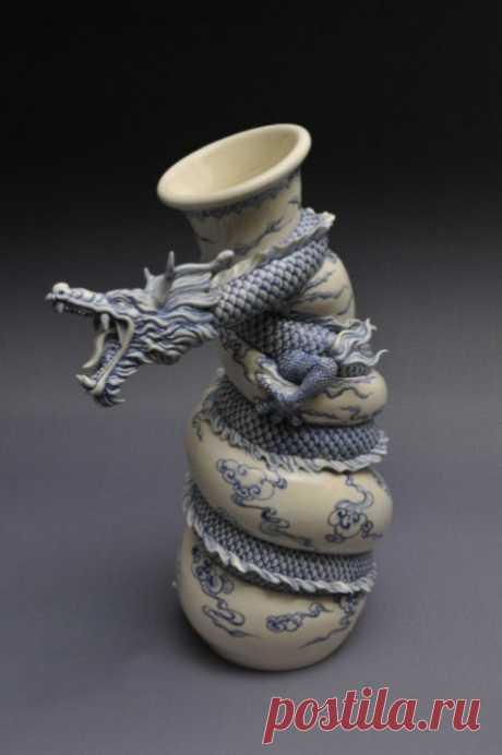Подробный мастер-класс по лепке вазы с драконом