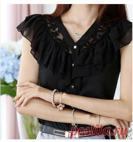 Блуза с кружевной вставкой – выкройки на размеры 36-56(евро) (Шитье и крой) Блуза с кружевной вставкой.Размеры 36-56(евро) Выкройка сделана без вытачек,если вы хотите,можно добавить вертикальные вытачки на талии. ЕВРОПЕЙСКИЕ РАЗМЕРЫ ЖЕНСКОЙ ОДЕЖДЫ: 36 (грудь-талия-бедра) 8…