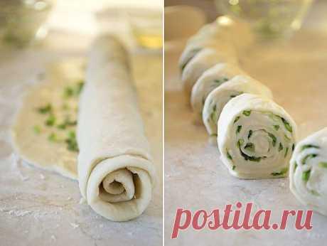 Китайские лепешки с зеленым луком: Хрустящая корочка и мягкая текстура внутри, слегка солоноватый аромат хлеба в сочетании с запахом зеленого лука - Секреты Хозяйки