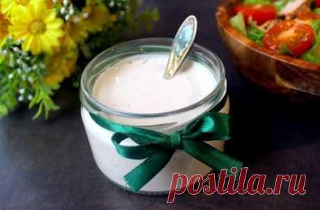 Йогуртовая заправка с чесноком и цедрой лимона