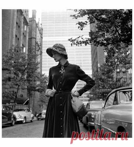 Model Peggy Wilcox   1950  Photo Nina Leen