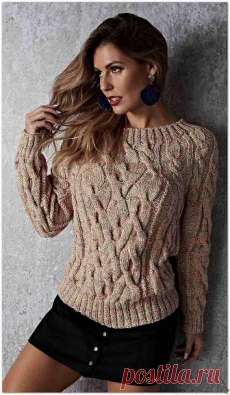 """Пуловер узором """"косы""""."""