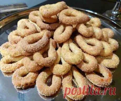Las galletas cojonudas corrujientes. ¡La receta querida! ¡No es más fácilmente!
