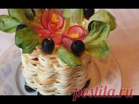 Салат  Фиалка   из мяса курицы грибов Новогодние рецепты