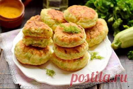 Пышные кабачковые оладьи на кефире (почти как пирожки, но готовить проще и быстрее)