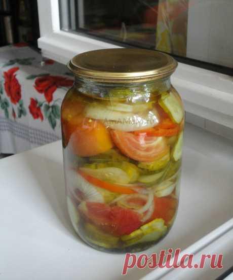 Салат из помидоров и огурцов (на зиму)