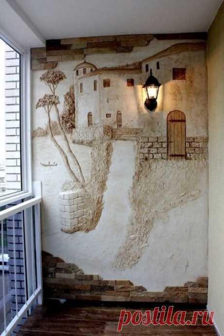 Необычное оформление стены на балконе.