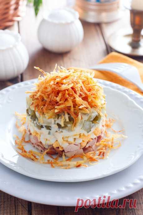Слоеный салат из копченой курицы и картофеля рецепт с фото пошагово