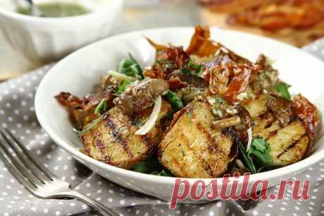 Картофельный салат с беконом и жаренными грибами – пошаговый рецепт с фото.
