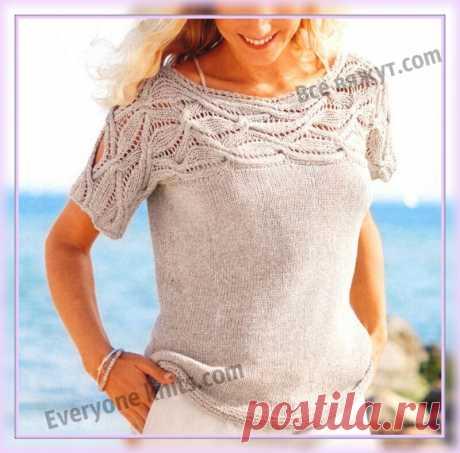 Пуловер лицевой гладью с кокеткой, связанной поперёк фантазийным узором спицами, с коротким рукавом. | Все вяжут.сом/Everyone knits.com |