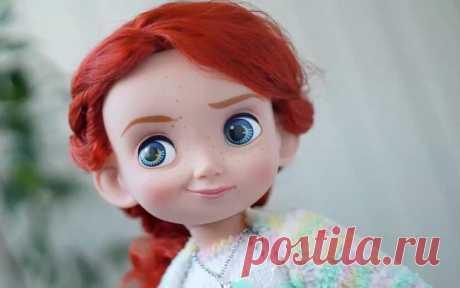 Как сшить красивую текстильную куклу своими руками Куклы — не просто предмет интерьера или игрушка. С древних времен кукла была прообразом человека и участвовала в самых разных магических обрядах и ритуалах. Куклам присваивали способность говорить, ви...