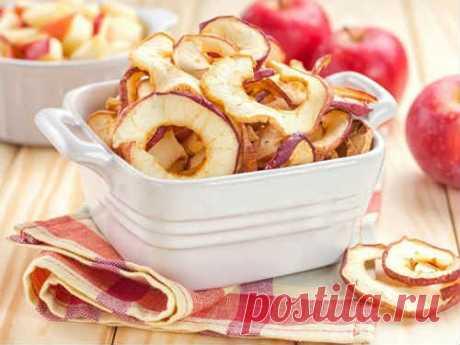 Как сушить яблоки в домашних условиях в духовке, микроволновке