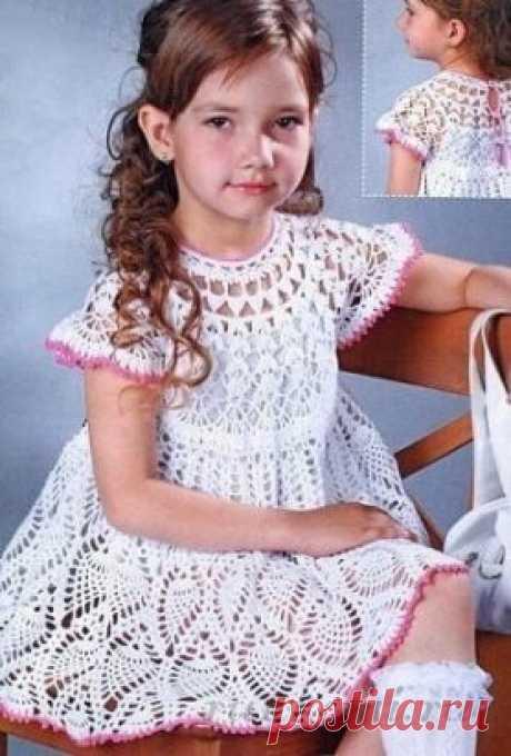 Платье вязаное крючком для девочки,  схема по ссылке:     https://ru4kami.ru/vyazhem-odezhdu/97-plate-kryuchkom-dlya-devochki.html