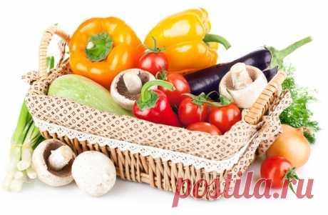 Постный салат из помидор и лесных грибов