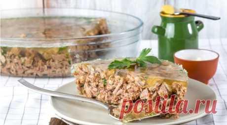 Холодец из свиных ножек и говядины - царь праздничного стола! Узнайте как приготовить вкусный и прозрачный холодец из свинины и говядины в домашних условиях!