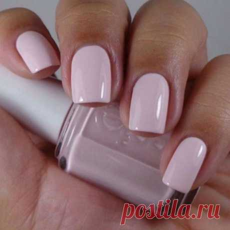 Your ideal color of nail varnish on zodiac sign