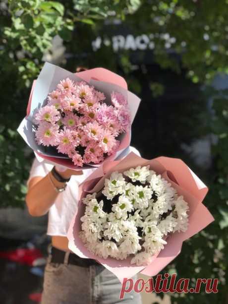 Если мы грустим, всё вокруг грустит. Если мы шалим, всё вокруг шалит. Мир ведь каждый час - отражает нас. Потому не злись. МИРУ УЛЫБНИСЬ.  Прекрасного воскресного дня Вам друзья! #фантазиясаранск #саранск #цветочныесалоны #цветы #букеты #букетысаранск #подаркисаранск