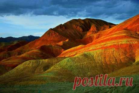 Самые высокие дюны пустынь бывают в высоту до 180 метров